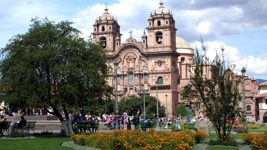 Plaza cathedral